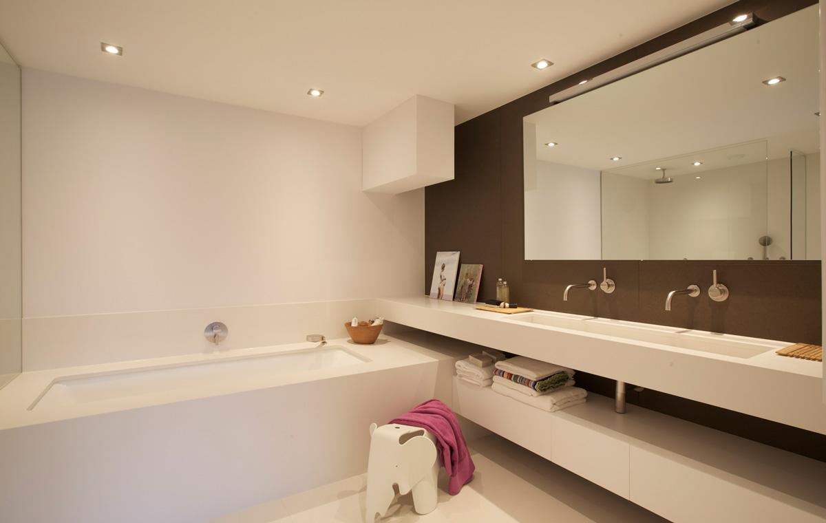 Grote Wastafel Badkamer : Duinvilla sjartec badkamers wellness en tegels in leiden
