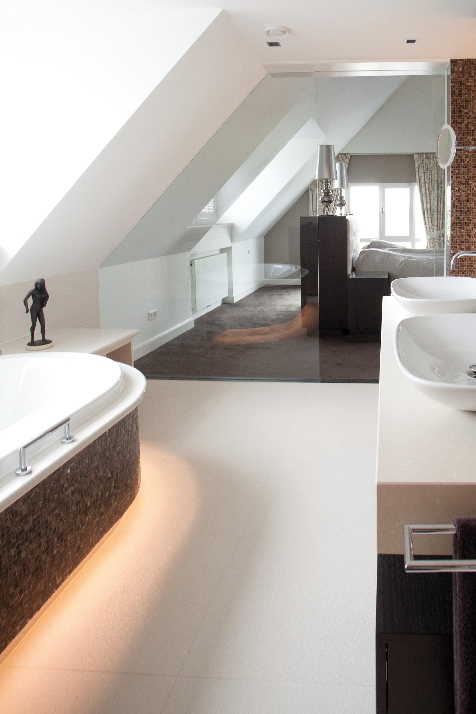 Bosvilla - Sjartec - Badkamers, Wellness en Tegels in Leiden