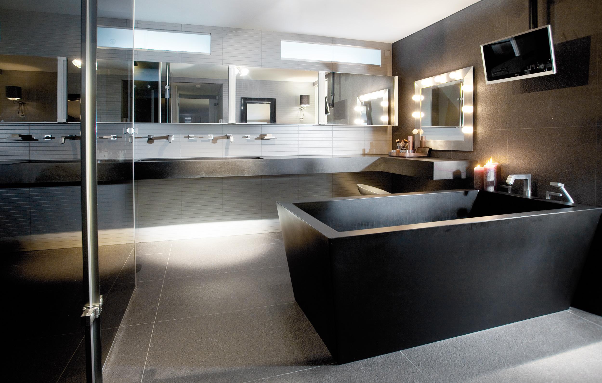 Penthouse Amsterdam - Sjartec - Badkamers, Wellness en Tegels in Leiden