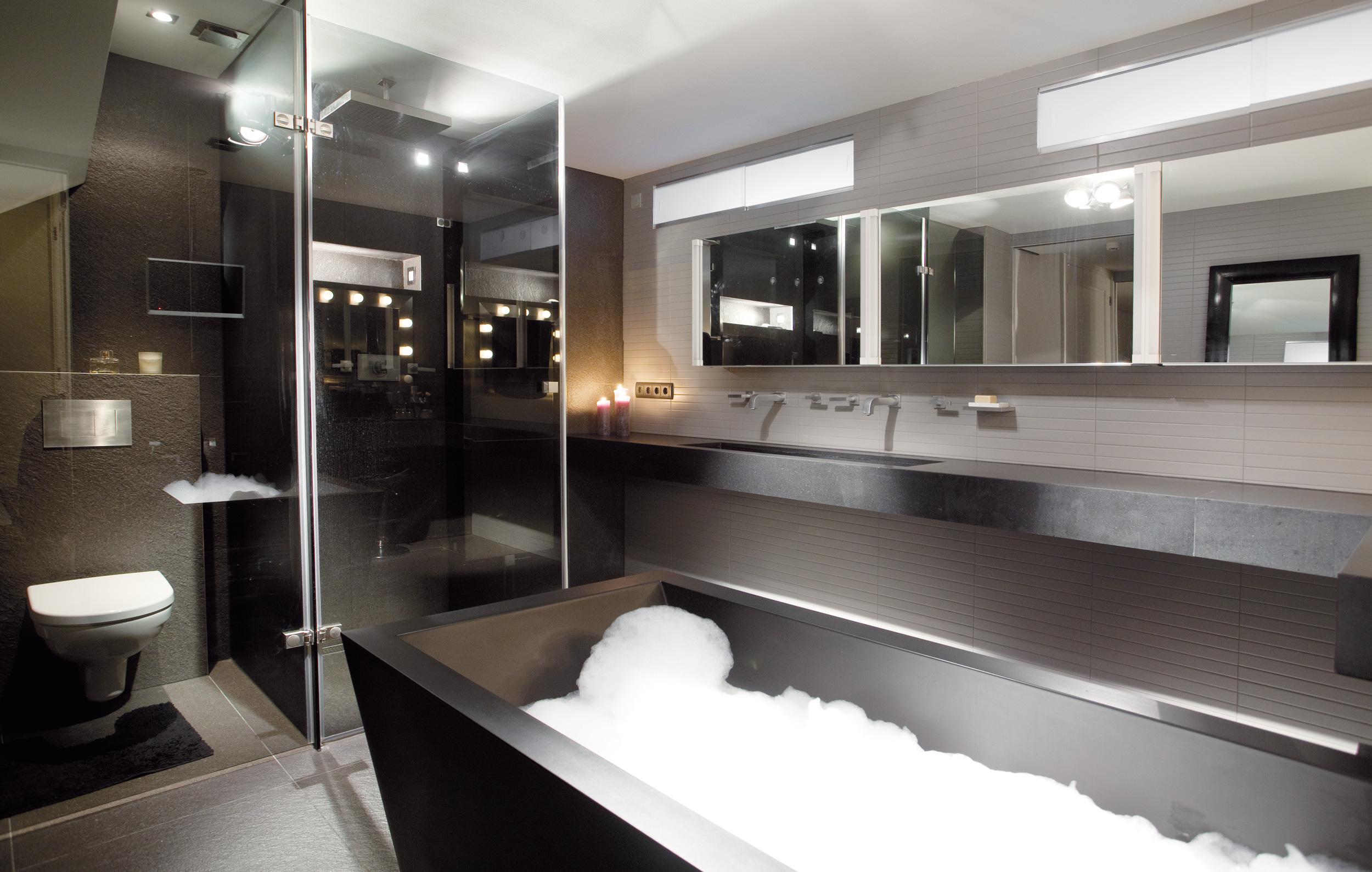 Badkamer Tegels Amsterdam : Penthouse amsterdam sjartec badkamers wellness en tegels in leiden