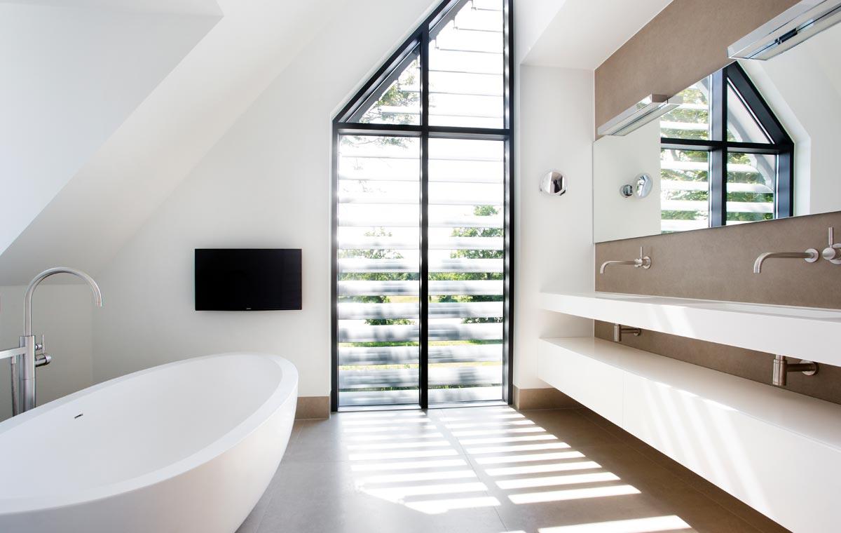 Stel uw eigen design badkamer samen sjartec badkamers wellness