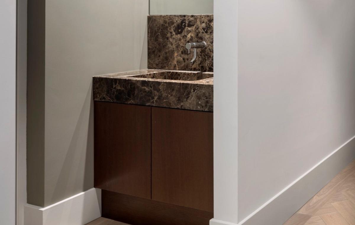 Badkamer En Tegels : Exclusieve badkamer amsterdam sjartec badkamers wellness en