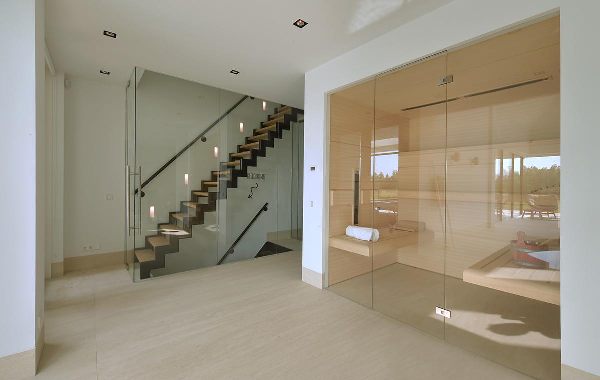 luxe design sauna met veel glas