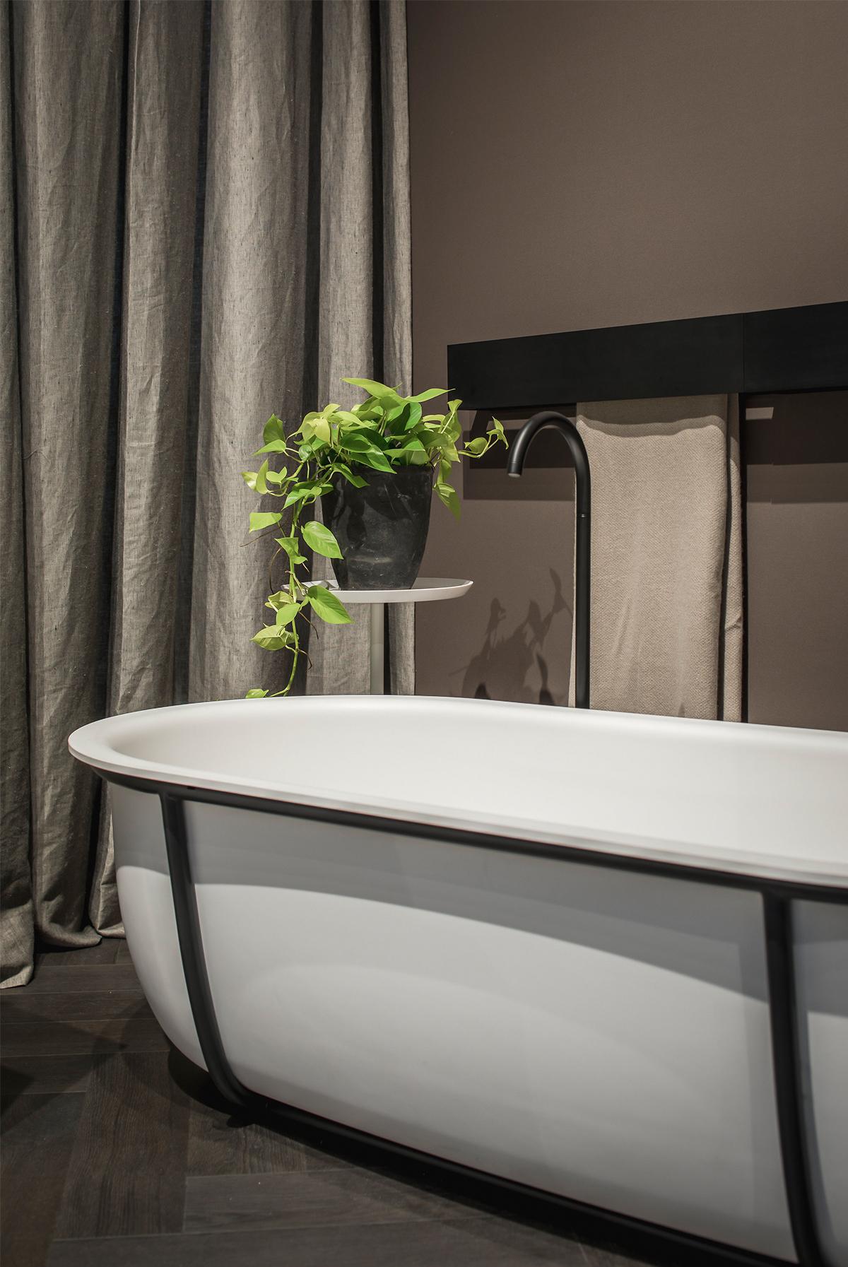 Agape Cuna freestanding bath