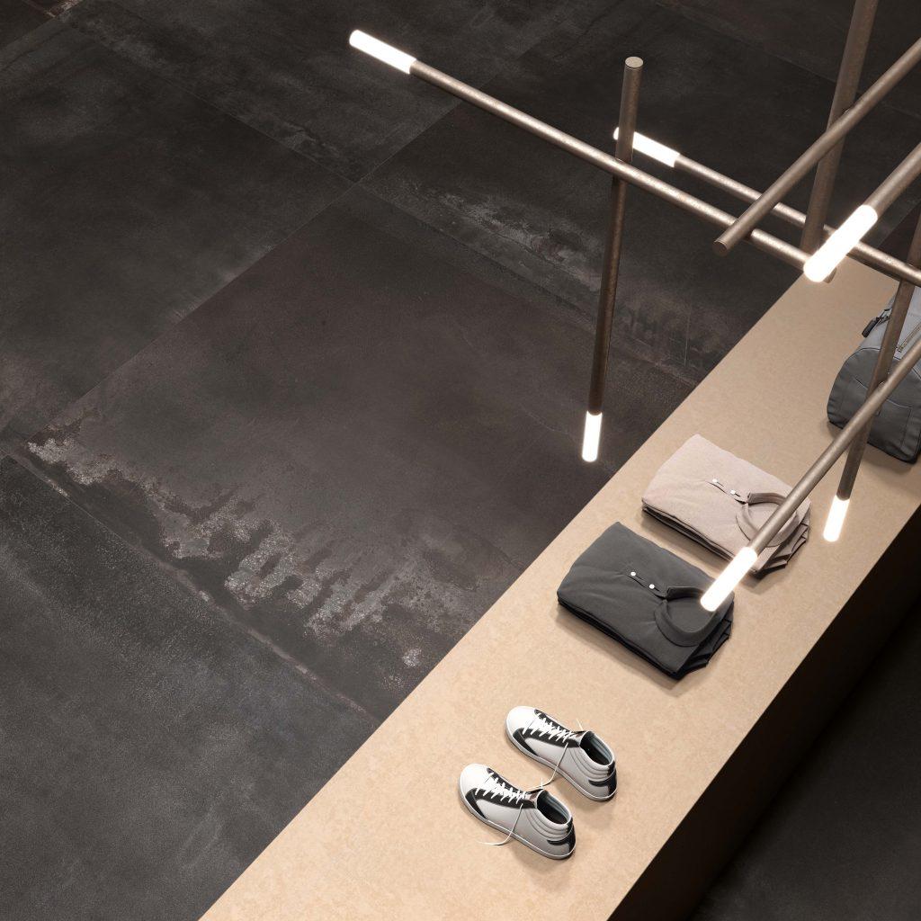Mat zwart / antraciet industriële vloer