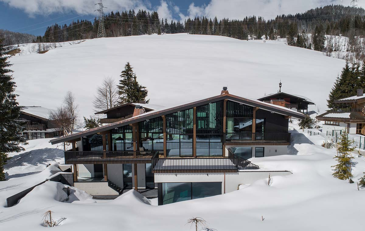 Luxury ski chalet